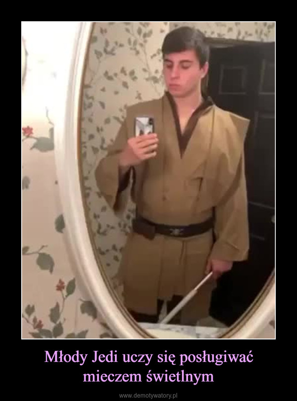 Młody Jedi uczy się posługiwać mieczem świetlnym –